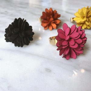 Dahlia flower ring (4 kleuren)