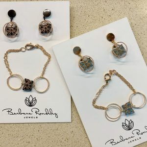 Catch a butterfly Earrings and bracelet set